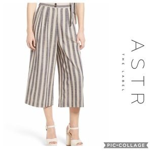 ASTR The Label - Wide leg cropped pants